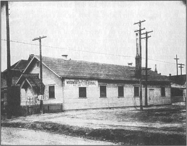 Hội Thánh ở Indiana do Etter xây dựng, được biết đến như là Lều Tạm Etter