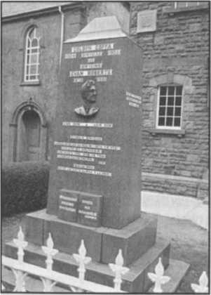 Đài kỷ niệm Roberts