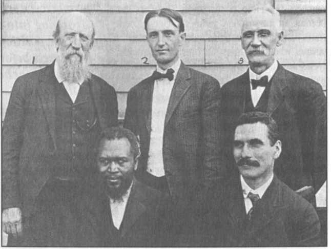 Seymour cùng với F. F. Bosworth (ở giữa), và John G. Lake (bên phải, phía dưới)